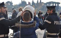 La Polizia visita i piccoli pazienti del Meyer