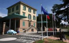 Meningite: in Toscana preoccupazione per tre casi. Il professor Passaleva: «Niente panico, ma attenzione agli starnuti»
