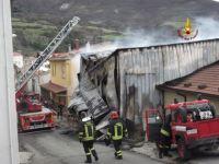 Incendio al caseificio di Stribugliano in Maremma