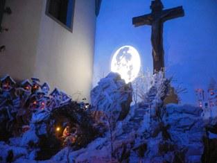 La strada verso Gesu nel presepe di Lecore