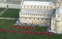 Catena umana a Pisa contro l'abuso di alcol (Video)