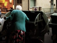 Povertà al galoppo in Italia