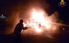 Rogo doloso davanti al Tribunale di Prato, distrutte 5 auto