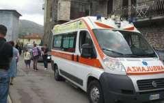 Incastrata tra le porte dell'autobus, una ragazzina è rimasta ferita