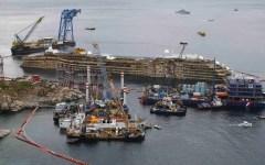 Concordia, diktat di Rossi:  non farà partire il relitto per Genova senza la garanzia di rottamare a  Piombino le navi militari