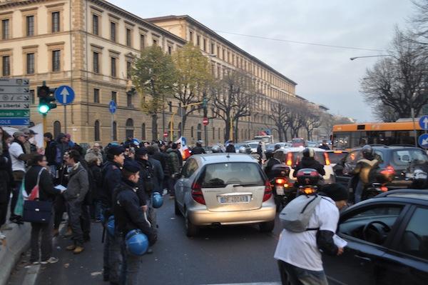 """Un momento della manifestazione dei """"Forconi"""" a Firenze il 9 dicembre 2013"""