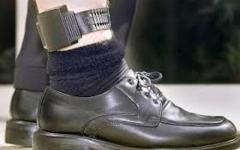 Empoli,  agli arresti con il braccialetto elettronico