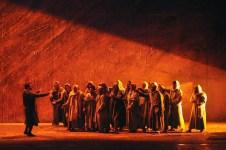 Una scena del Nabucco (credit Maggio Musicale Fiorentino / Sebastiano Piras)