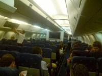 I passeggeri durante il volo verso l'Italia