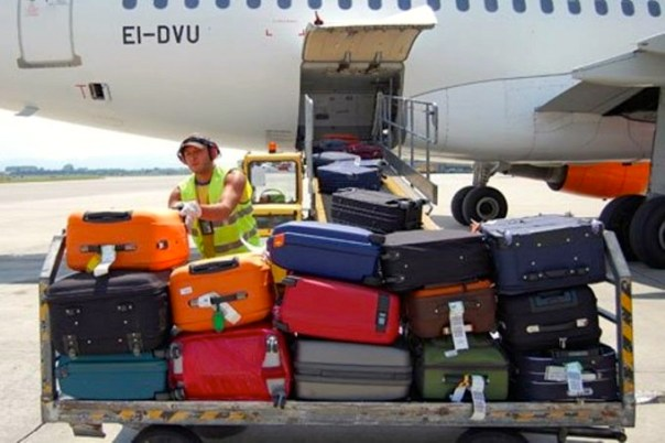 Servizi di facchinaggio in un aeroporto