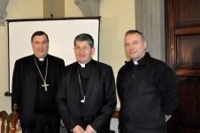 da sinistra il vescovo Maniago, il cardinale Betori e il neo vescovo Manetti