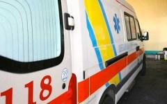 Isola d'Elba: muore a 38 anni cadendo dallo scooter. Alla giovane donna, nell'urto, si è spezzato il casco