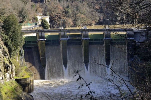 La diga di La Penna sull'Arno