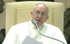 Il Papa a sorpresa riceve i detenuti di Pisa e Pianosa