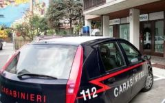 Firenze, blocca rapinatore con lo spray antiaggressione