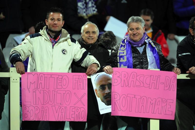 Tifosi alla partita Fiorentina Esbjerg non dimenticano la partita con il Parma (foto Riccardo Sanesi)