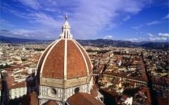 Firenze, Duomo: fa pipì in cima alla Cupola del Brunelleschi. Multa da 400 euro