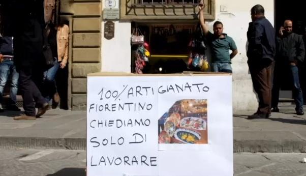 Un manifesto apparso stamani in piazza San Lorenzo
