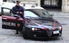 Firenze, rapinano il farmacista e scappano in tramvia: presi alla fermata