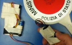 Firenze, con scariche elettriche svuotavano macchinette cambiasoldi: presi