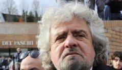Il ciclone-Grillo all'Assemblea dei soci di Mps a Siena