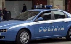 Firenze: urina contro un'auto, aggredisce i proprietari e i poliziotti. Denunciato un ivoriano