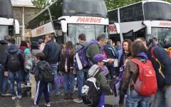 Fiorentina, le immagini dei tifosi in partenza per Roma: inizia la festa (VIDEO-FOTO)