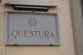 Firenze, poliziotto indagato per corruzione: permessi di ...