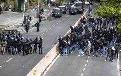 Roma, spari e scontri all'Olimpico: tifosi napoletani feriti, uno gravissimo