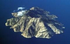 Isola di Montecristo: bomba d'acqua devasta la spiaggia di Cala Maestra e minaccia l'ecosistema