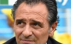Cesare Prandelli durante la partita Italia-Uruguay