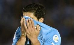 Luis Suarez, punito con una squalifica di 9 partite con la nazionale e 4 mesi con il suo club per il morso a Chiellini