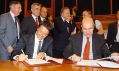 Michele Mario Elia ( a destra) e Matteo Renzi (a sinistra)