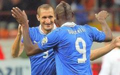 Mondiali 2014: Italia-Costa Rica sarà decisa dalla sfida Balo-Campbell. Ma si teme ancora il caldo torrido