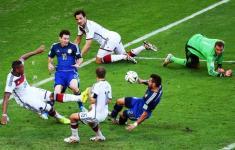 Germania-Argentina, un'azione di gioco