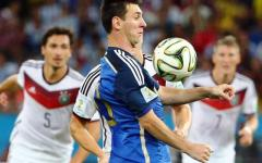 Calcio, Spagna: per Lionel Messi chiesti 22 mesi di reclusione. E' accusato di frode fiscale insieme al padre