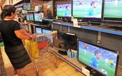 Grosseto, scattava foto sotto le gonne al supermercato: denunciato un 50enne