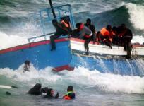 Migranti soccorsi in mare vicino alle coste italiane