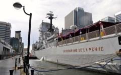 Il «Durand de la Penne» lascia il porto di Londra. A bordo della nave intitolata all'eroe di Alessandria d'Egitto, 90 allievi dell'Accademia...