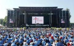 Papa Francesco, a sorpresa, telefona ai 30mila scout riuniti a San Rossore: «Ragazzi camminate con coraggio!»
