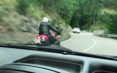 Motociclisti spericolati, 16 patenti ritirate in un giorno al passo del Muraglione