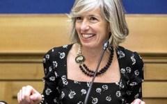 Scuola: la ministra Giannini assicura, l'anno partirà regolarmente. Scettici e perplessi operatori e sindacati