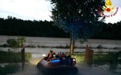 Arezzo: pescatori dispersi sull'Arno. Ritrovati dai vigili del fuoco