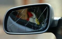 Firenze, con la truffa dello specchietto raggirano un anziano. Arrestati
