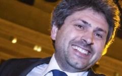 Grillo espelle due deputati. Contestato davanti alla villa di Bibbona