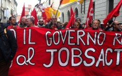 Toscana, sciopero Cobas: treni cancellati e in ritardo. A Firenze traffico in tilt per ore