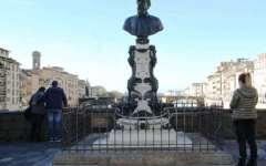 Firenze, Ponte Vecchio: la fontana del Cellini torna a vivere