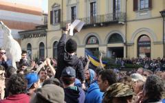 Carrara: sgomberata la sala del comune occupata dagli alluvionati