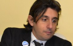 Firenze, Donzelli (Fratelli d'Italia) su Facebook:  «Indecente dare la casa a chi assalta la Prefettura»