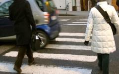 Sicurezza stradale: a Firenze 3 automobilisti su 5 non danno la precedenza ai pedoni